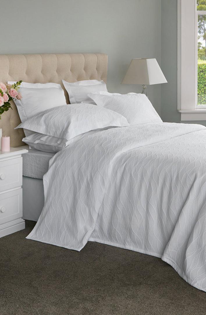Baksana - Calm Waters Bedspread Set -  White image 0