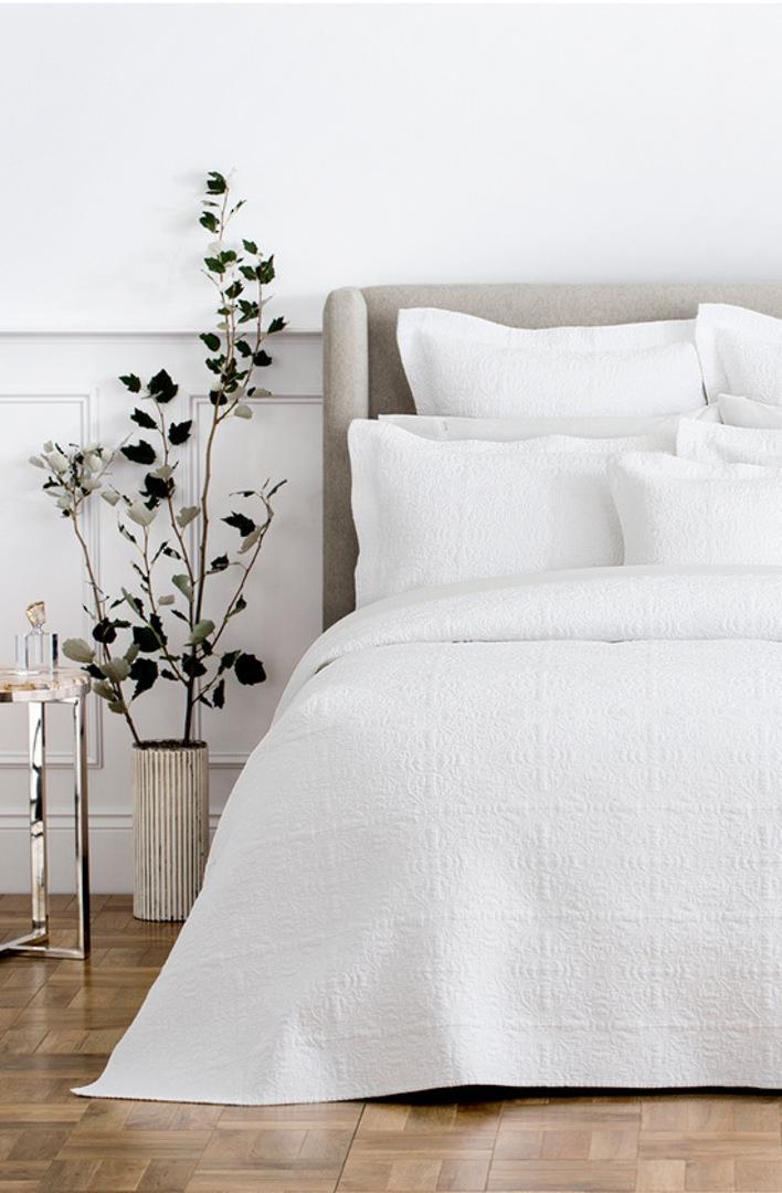 Sheridan - Appleton White Bedspread & Cushion image 0