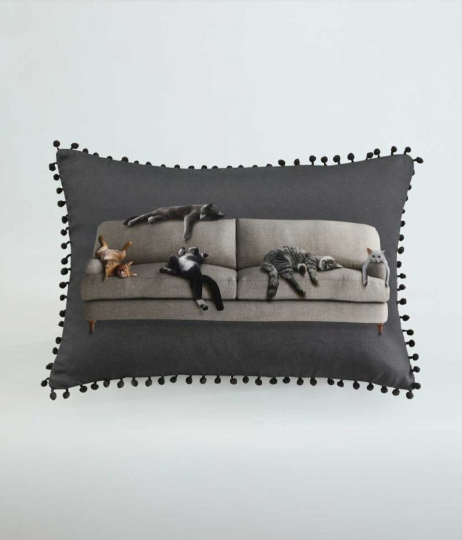 MM Linen - Couch Cushion image 0