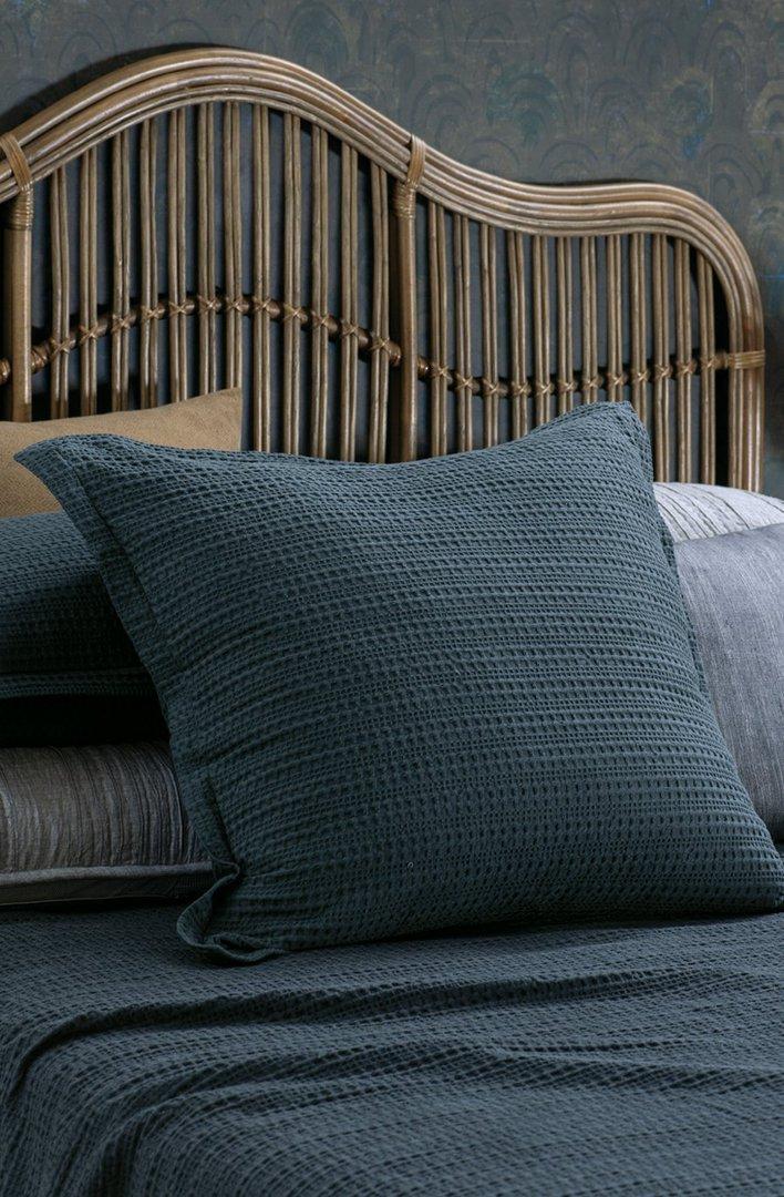 Bianca Lorenne - Mizumi  Bedspread / Pillowcase / Eurocase - Midnight image 2