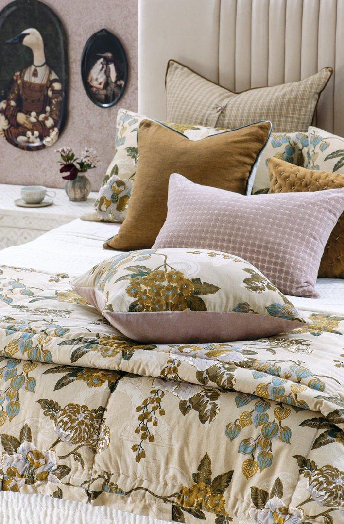 Bianca Lorenne - Chabana - Comforter / Pillowcase/Eurocase/Cushion - Blush image 0