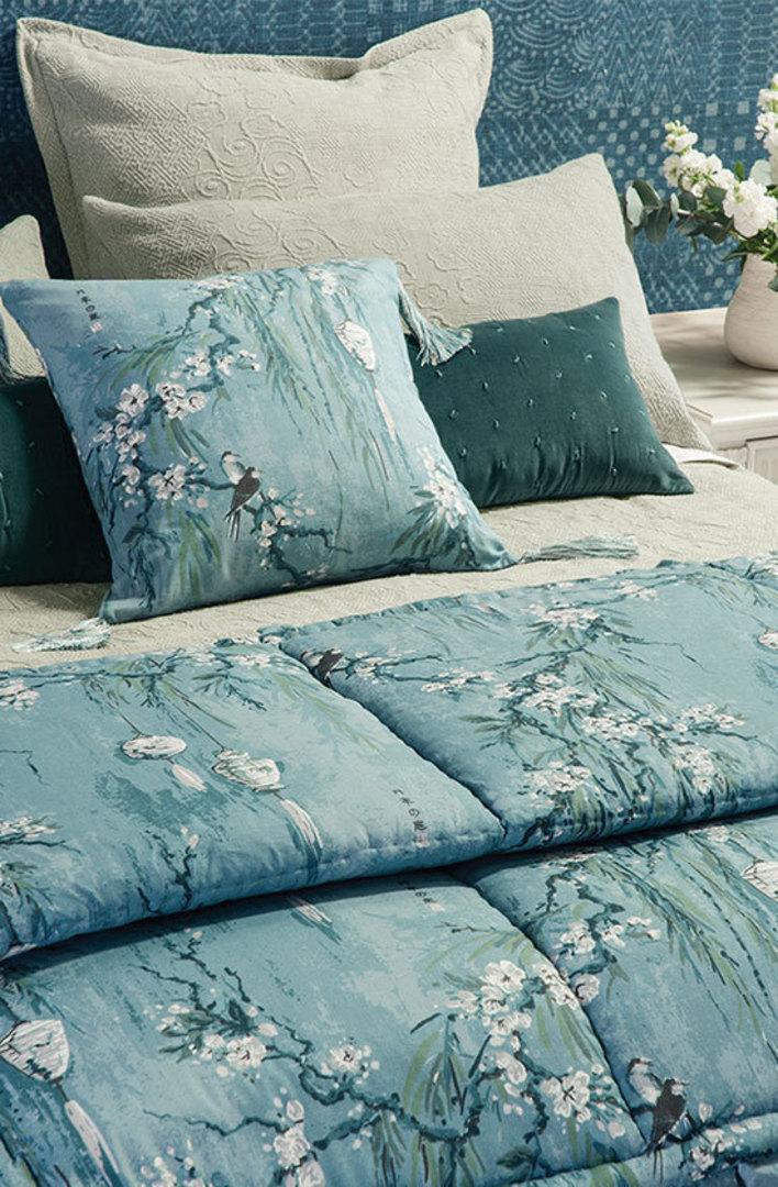 Bianca Lorenne - Chouchin Cerulean Blue Comforter/Pillowcase image 0