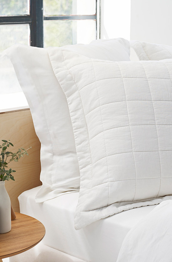 Sheridan - Abbotson White Linen Quilted Bedspread / Pillowcases/Eurocases image 1