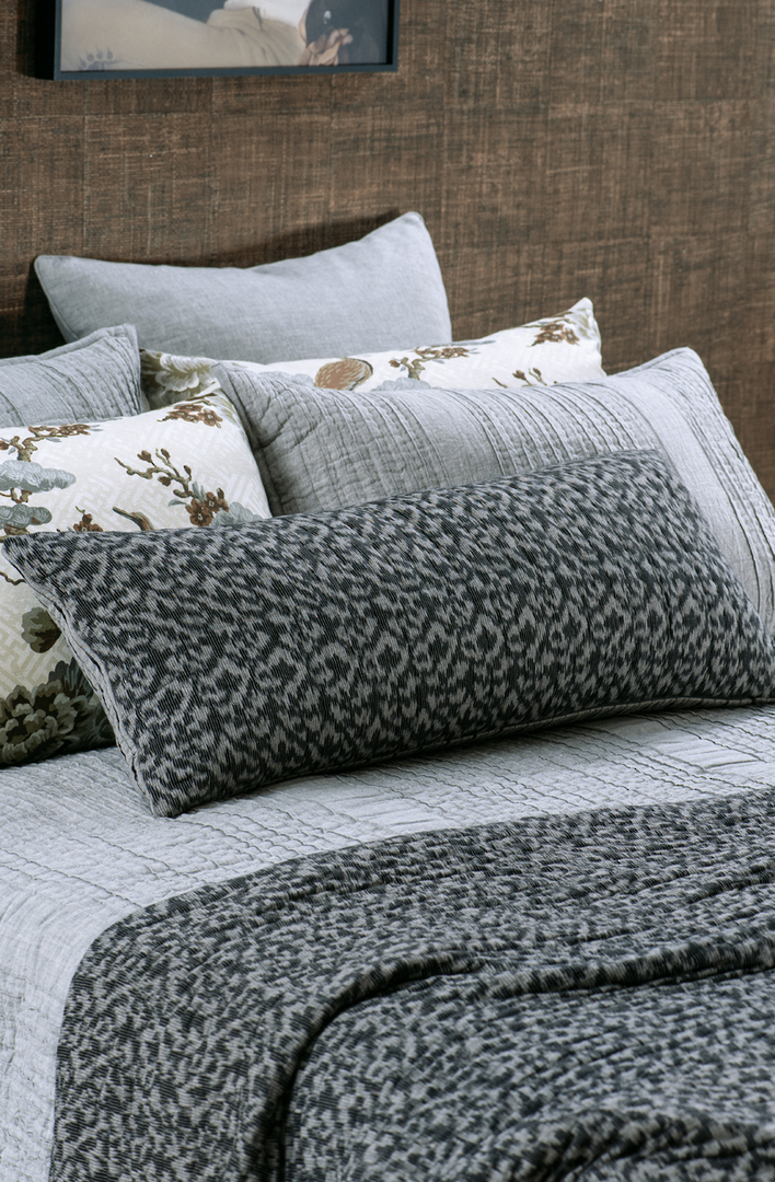 Bianca Lorenne - Ikatto / Coverlet/Cushion  - Prussian Blue/Silver image 1