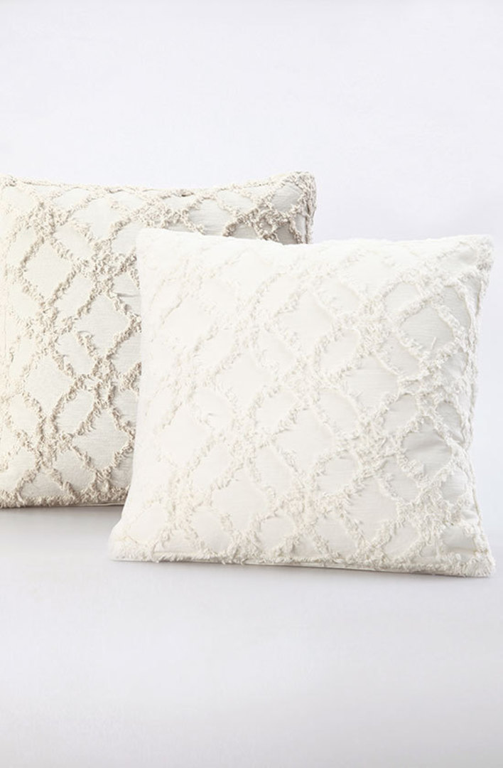 MM Linen - Clover Ivory Cushions image 6