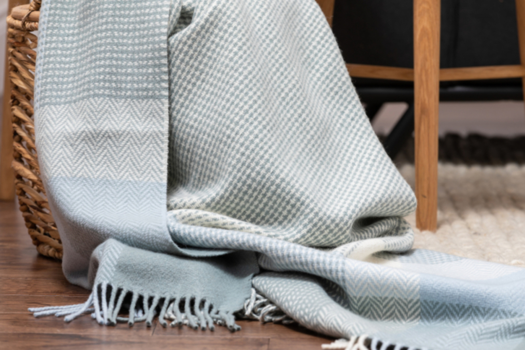 Importico - Foxford - Cashmere Wool  - Sage - Throw image 0