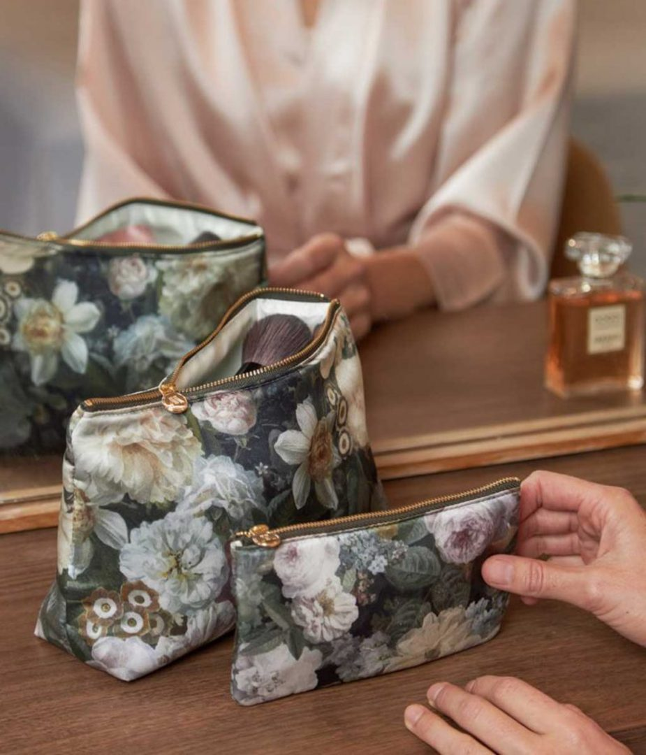 MM Linen - Floz - Silk Cosmetic Bag and Pouch Set image 0