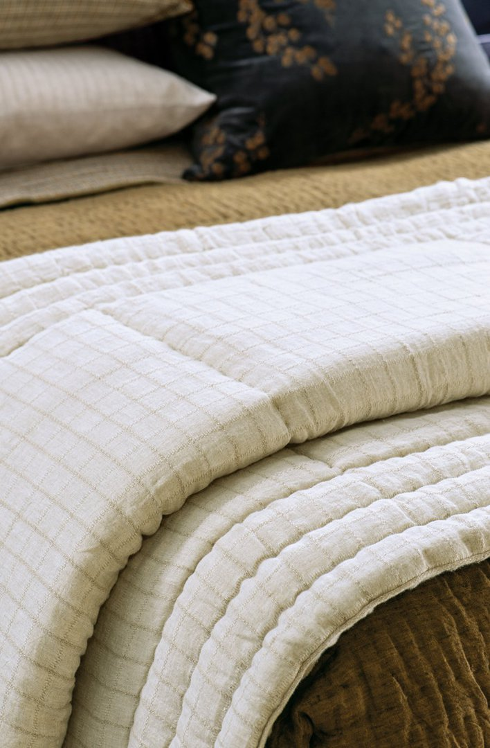 Bianca Lorenne - Tobiishi - Comforter/Eurocase - Natural Linen image 1