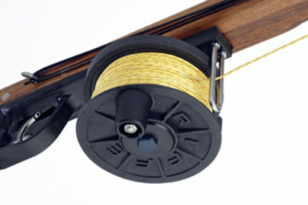 Riffe Horizontal Reel with line image 0