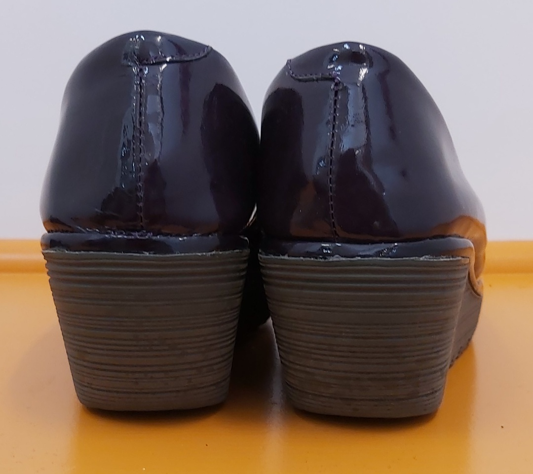 Fly Patent Round Toe Shoes image 2