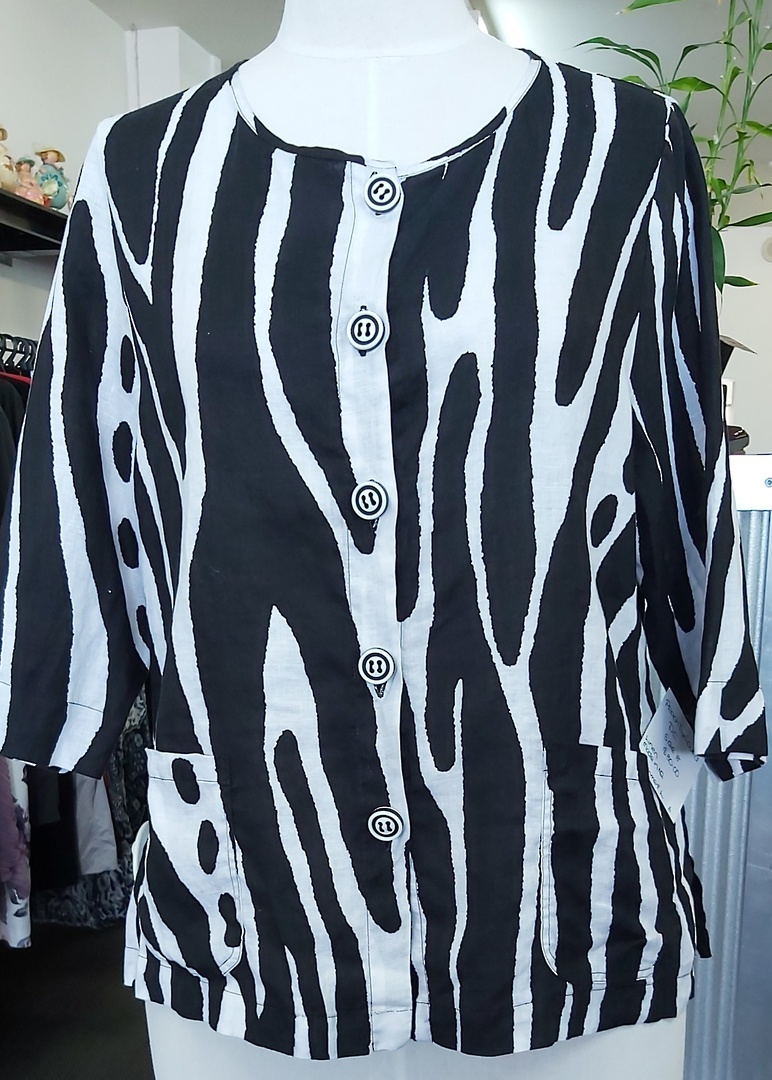 DC Black and White Linen Jacket image 0