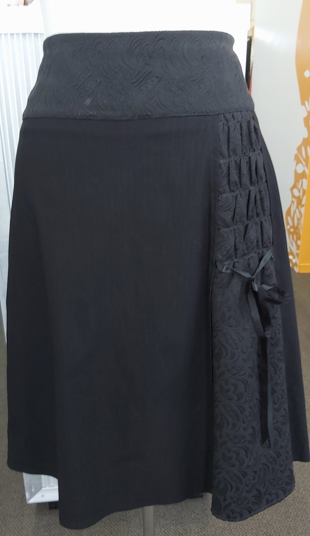 Bloom Decorated Skirt image 0