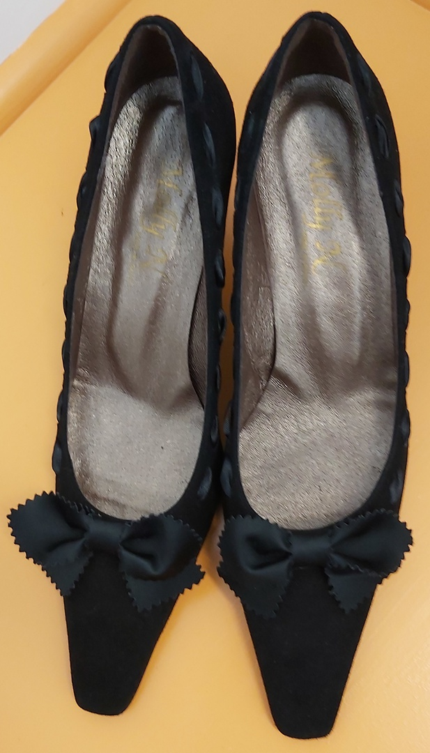 Molly N Black Suede Shoes image 0