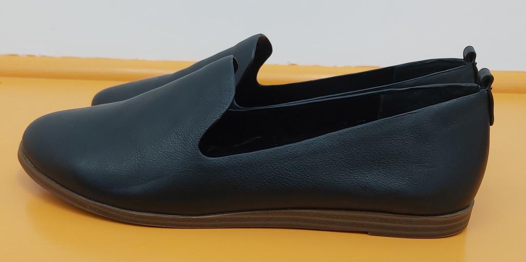 Noir Leather Loafer image 2