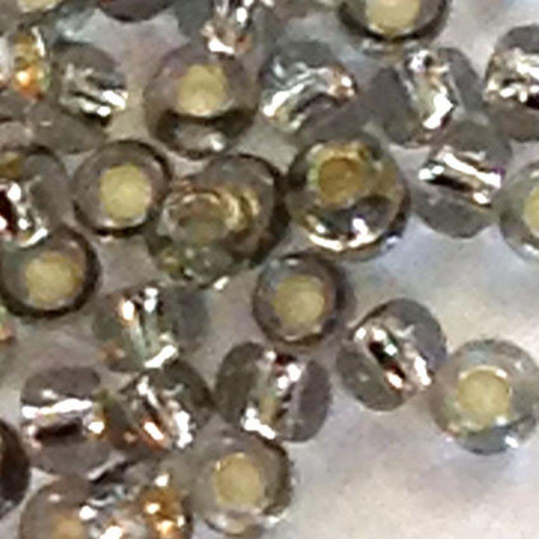 Toho size 11 round: 21A - Light Grey, silver lined image 0