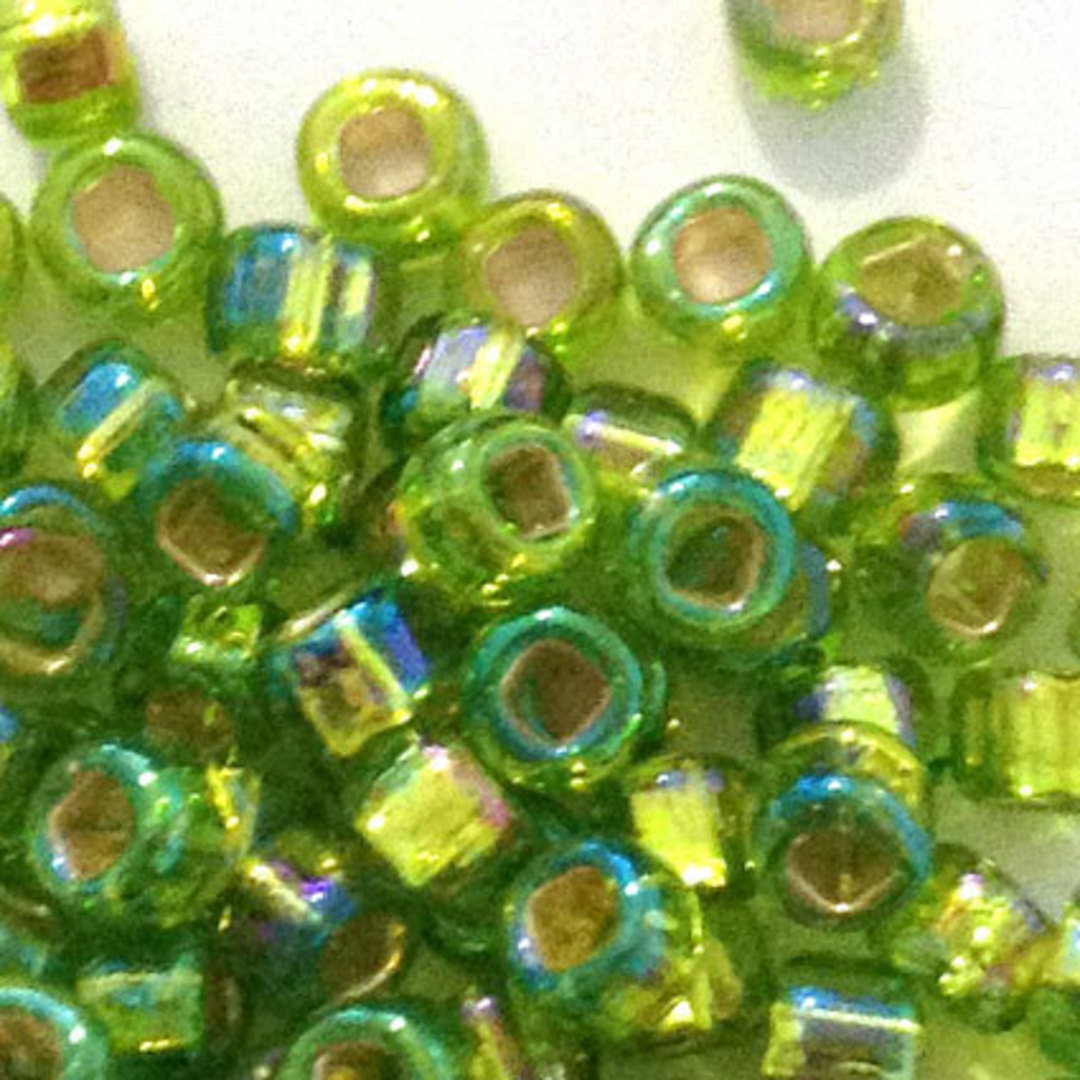 Matsuno size 8 round: 643A - Lime Shimmer, silver lined image 1