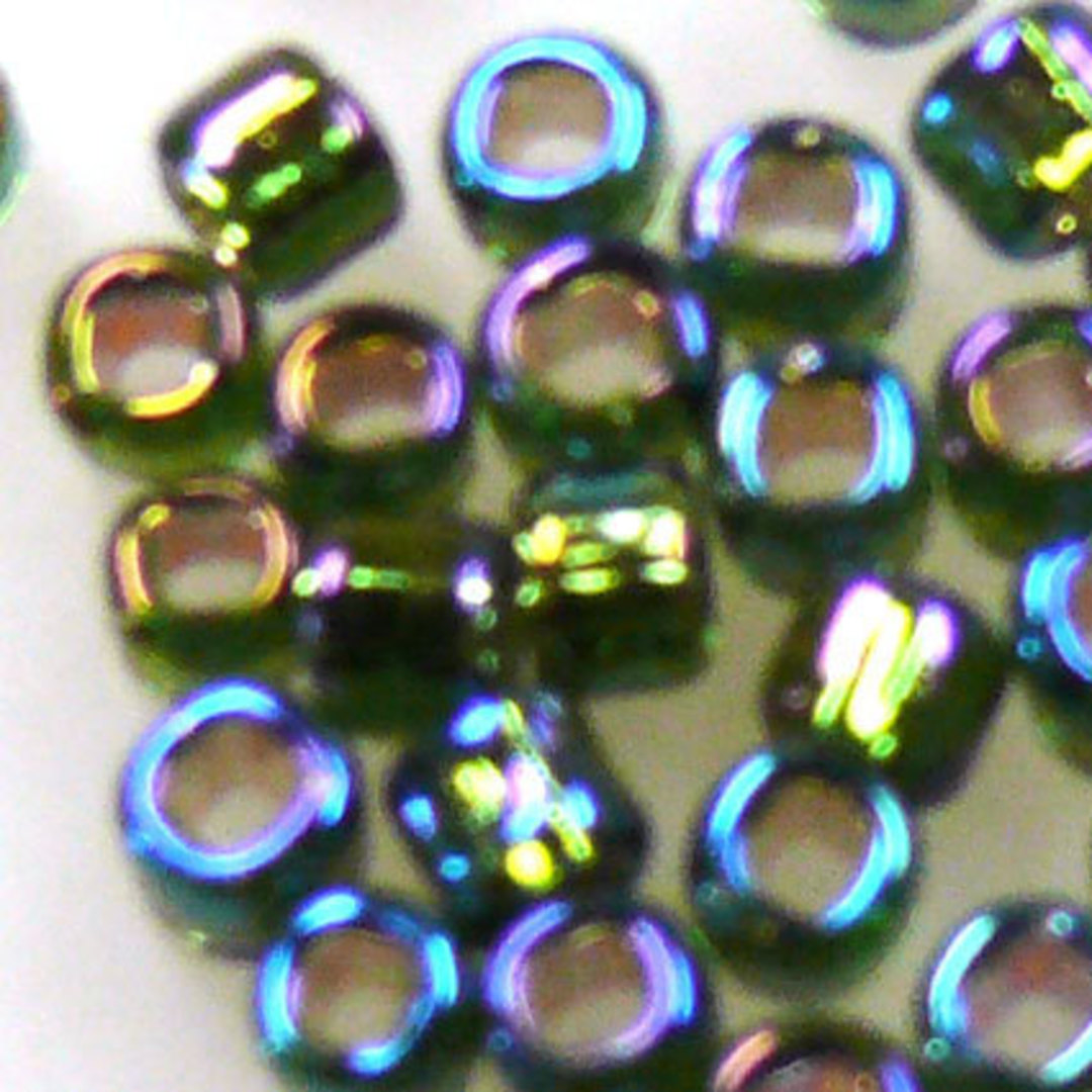 Matsuno size 8 round: 650 - Green Shimmer, silver lined image 1