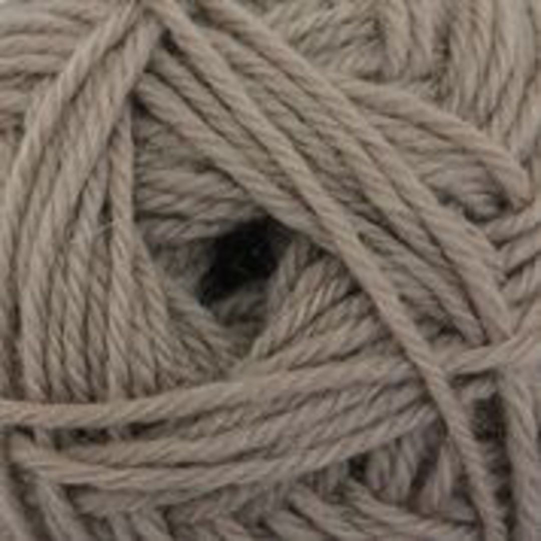 B/W Purely Wool Yarn image 5