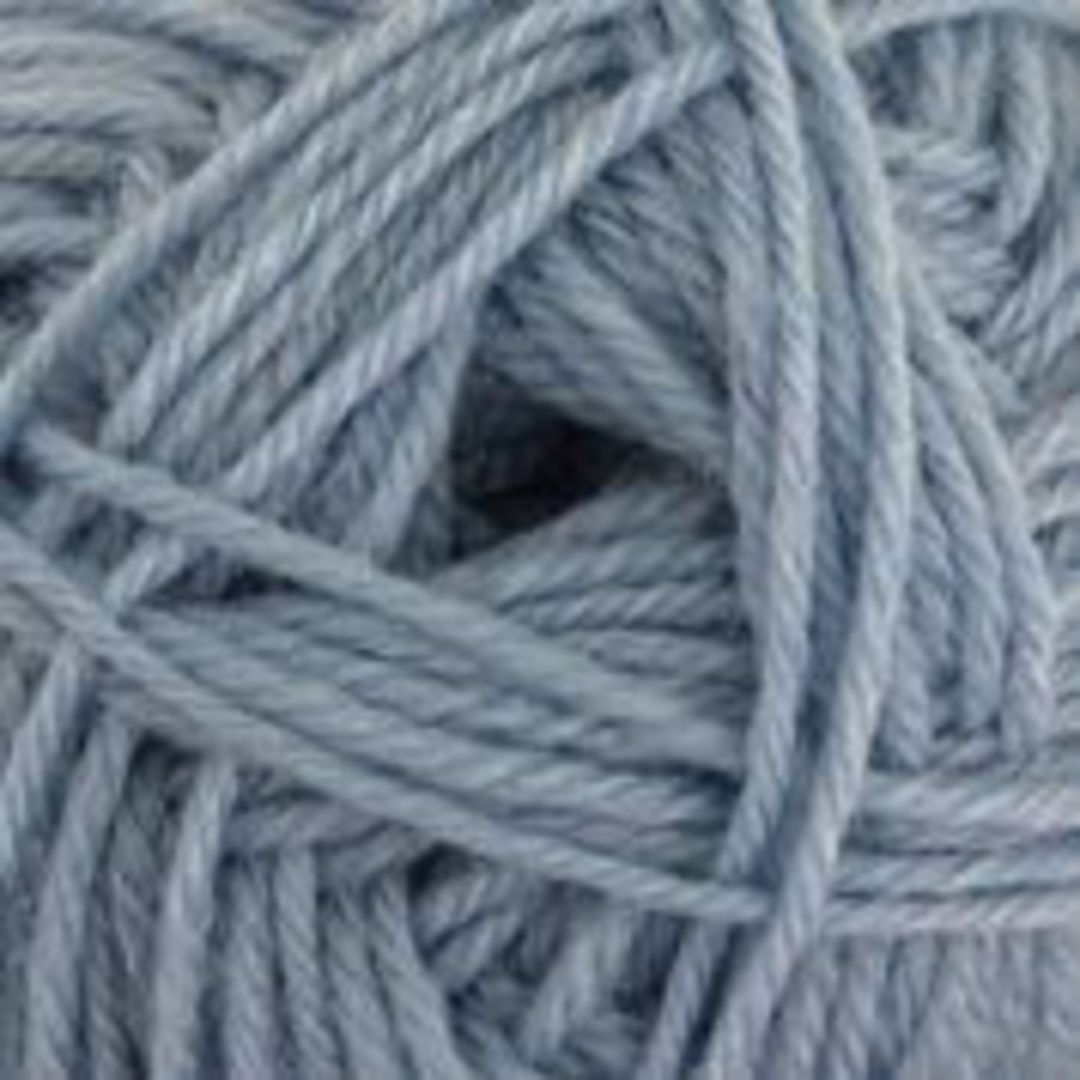 B/W Purely Wool Yarn image 4