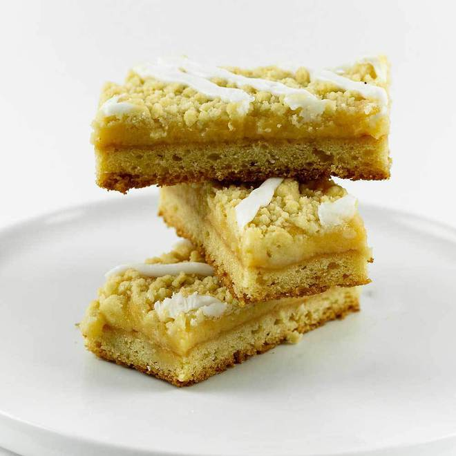 Lemon Crumble Slice image 0