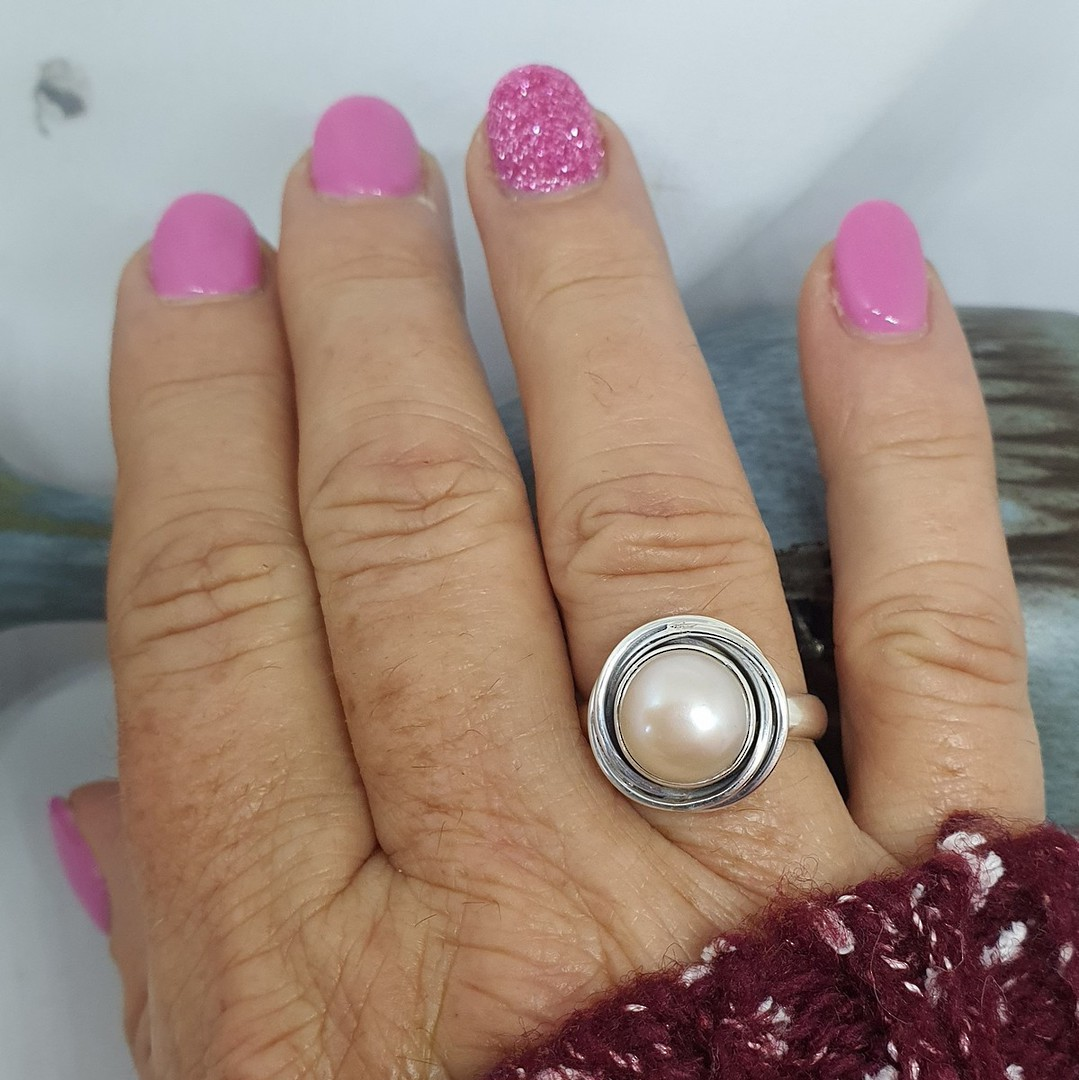 Sterling silver soft pink pearl ring image 1