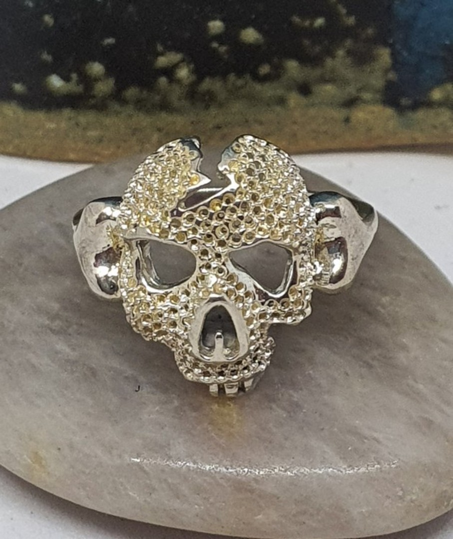 Sterling silver skull ring image 0