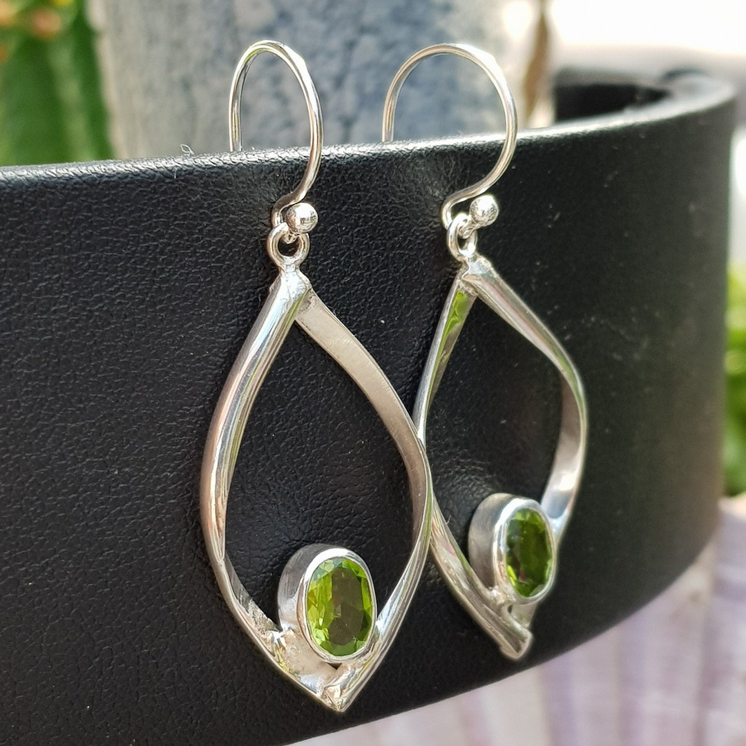 Silver peridot earrings image 1