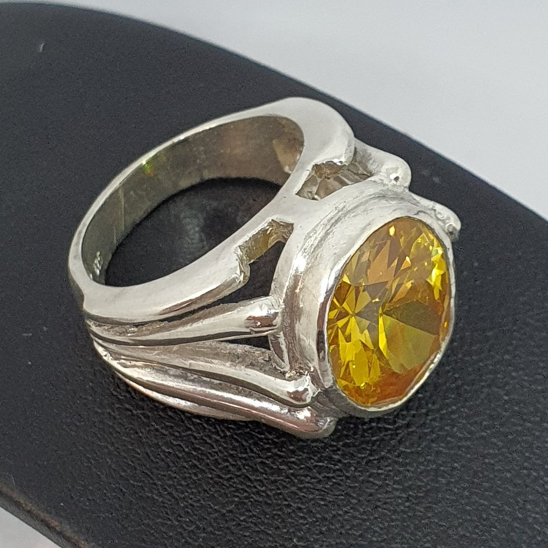 Chunky sterling silver designer ring with large yellow gemstone image 3