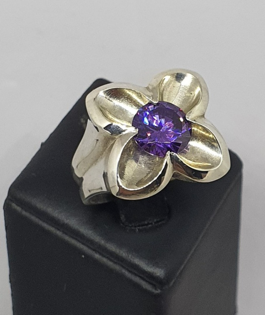 Silver flower ring with sparkling purple stone image 4