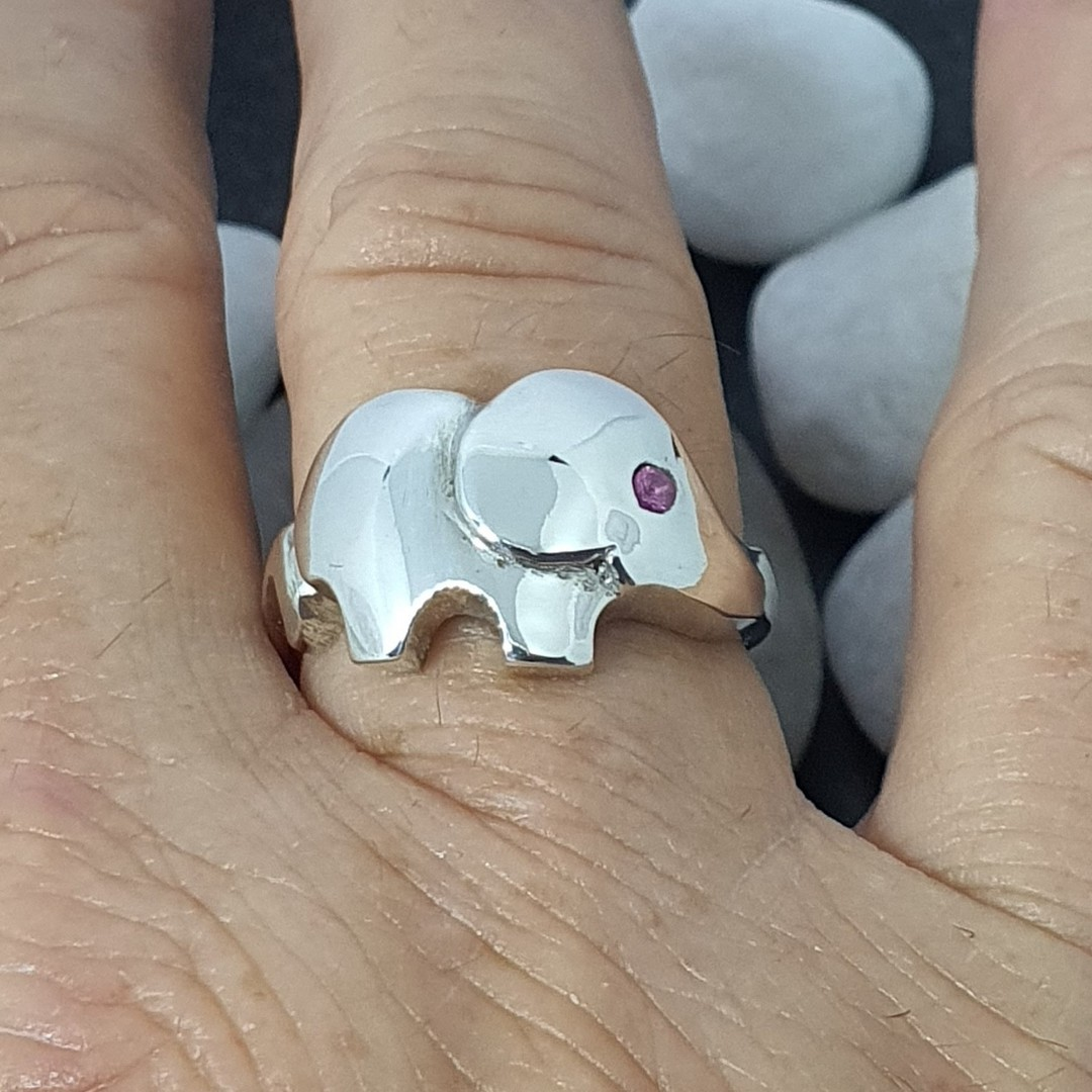 Sterling silver elephant ring with pink sapphire image 2