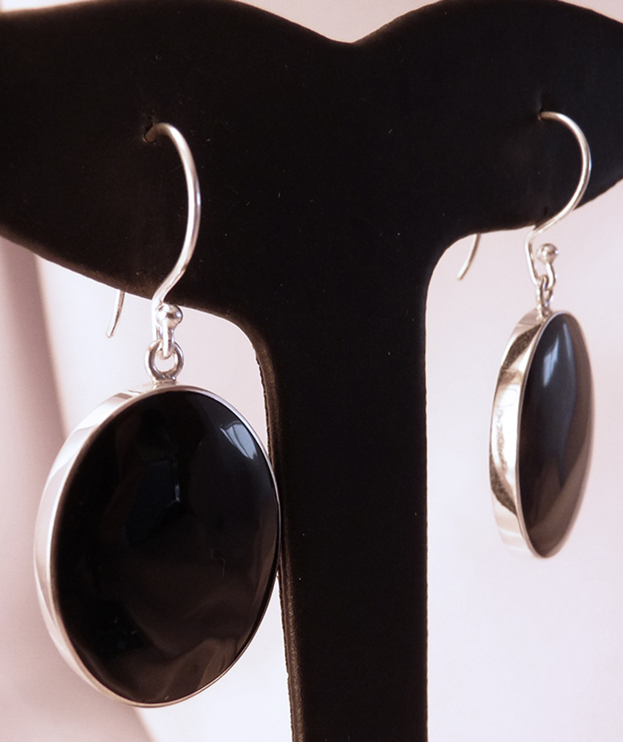 Large oval glossy black shell earrings image 1
