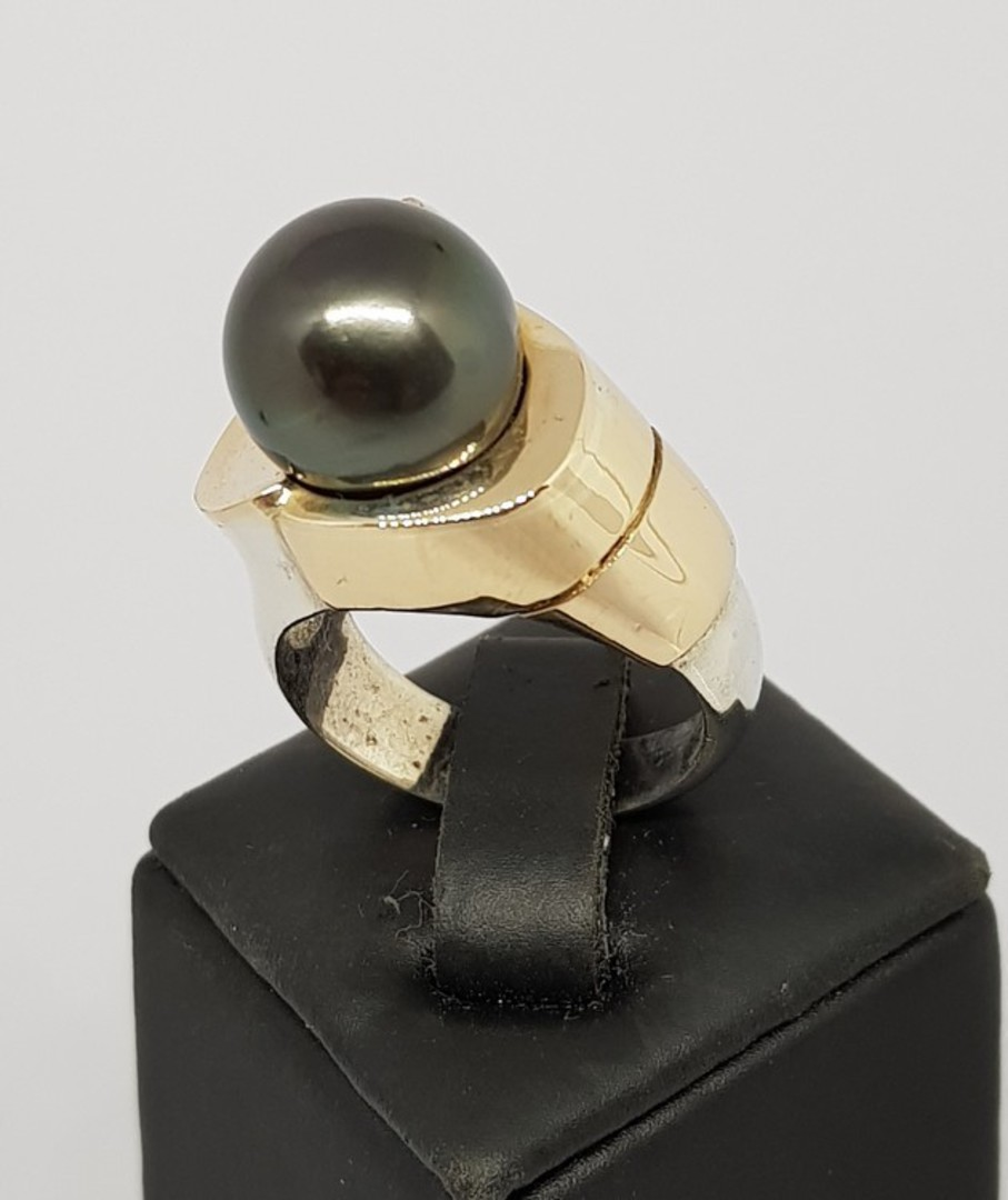 Black Tahitian pearl silver ring - with solid gold image 0
