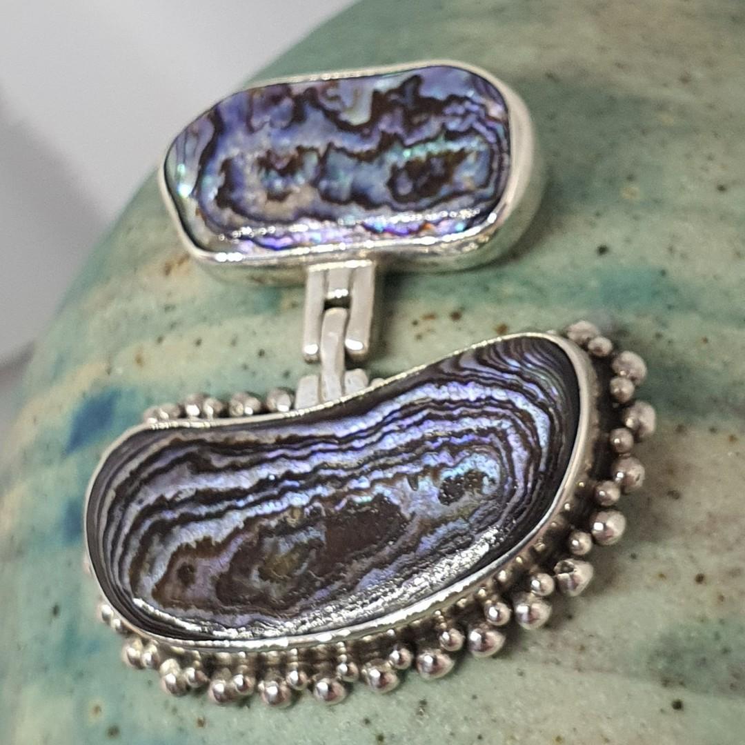 NZ paua shell silver pendant image 2