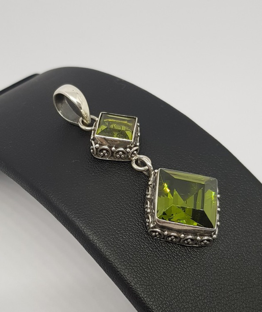 Double hanging silver peridot pendant with filigree frame image 1