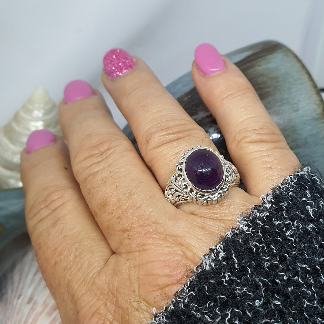 Sterling silver oval amethyst gemstone ring image 2