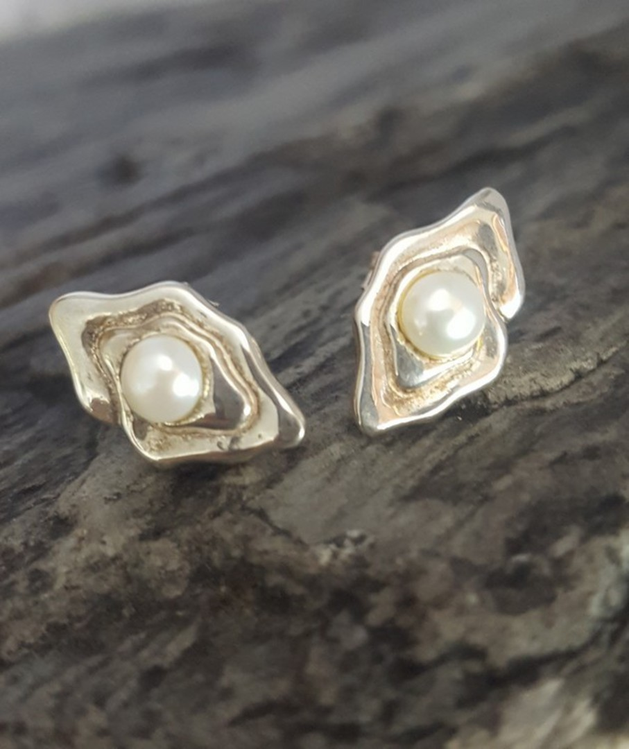 White pearl stud earrings image 1