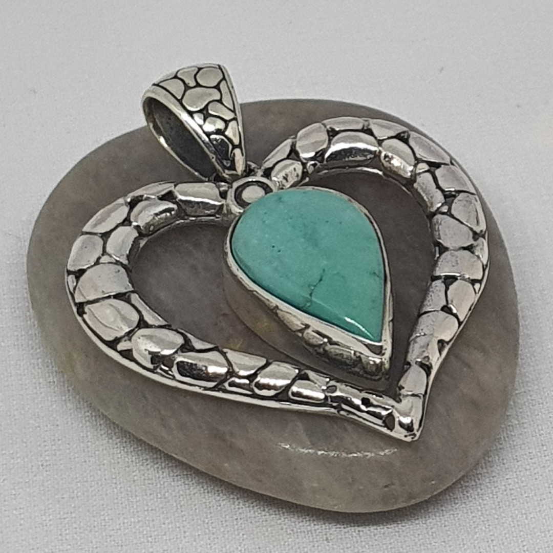 Styerling silver heart pendant with turquopise gemstone image 2