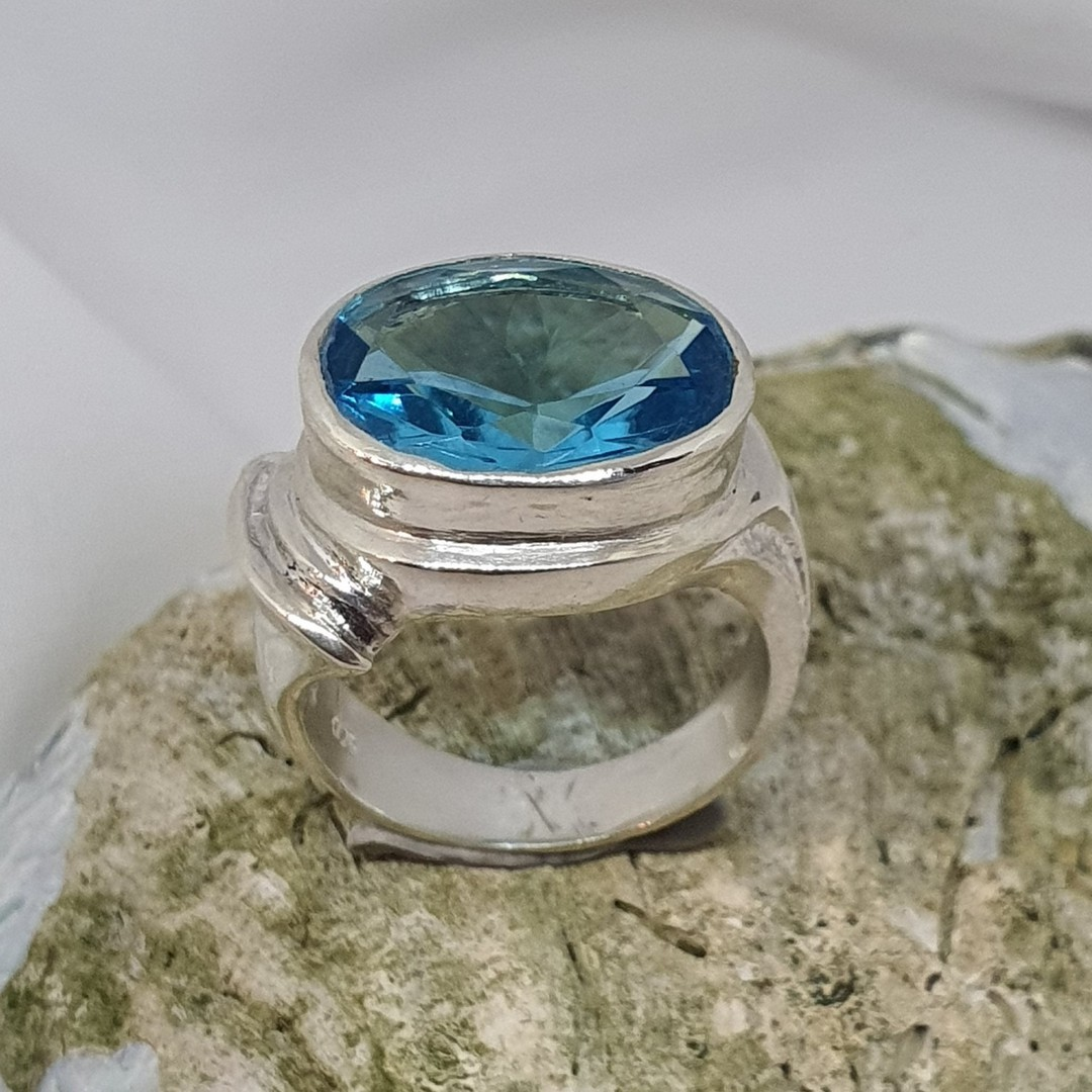 Sterling silver blue topaz ring image 2