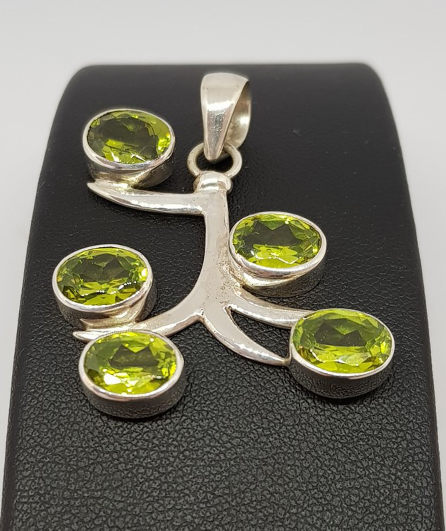 Sterling silver green peridot pendant - NOW HALF PRICE! image 0