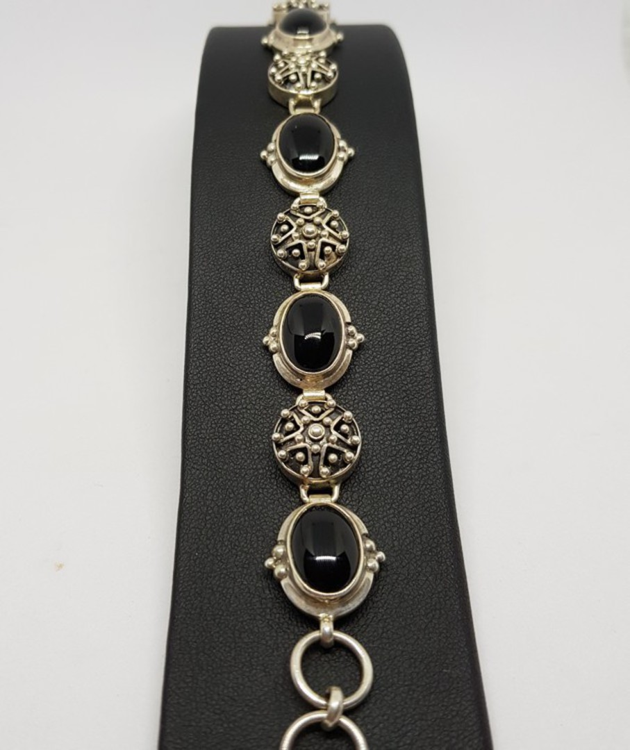 Sterling silver onyx bracelet with carved silver discs image 4