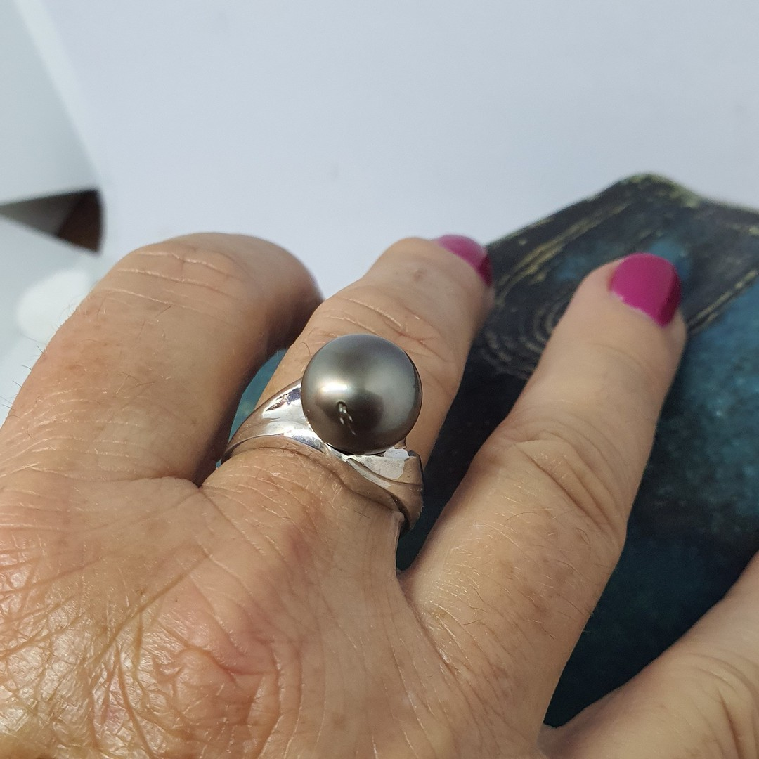 Black Tahitian pearl ring - made in NZ image 2