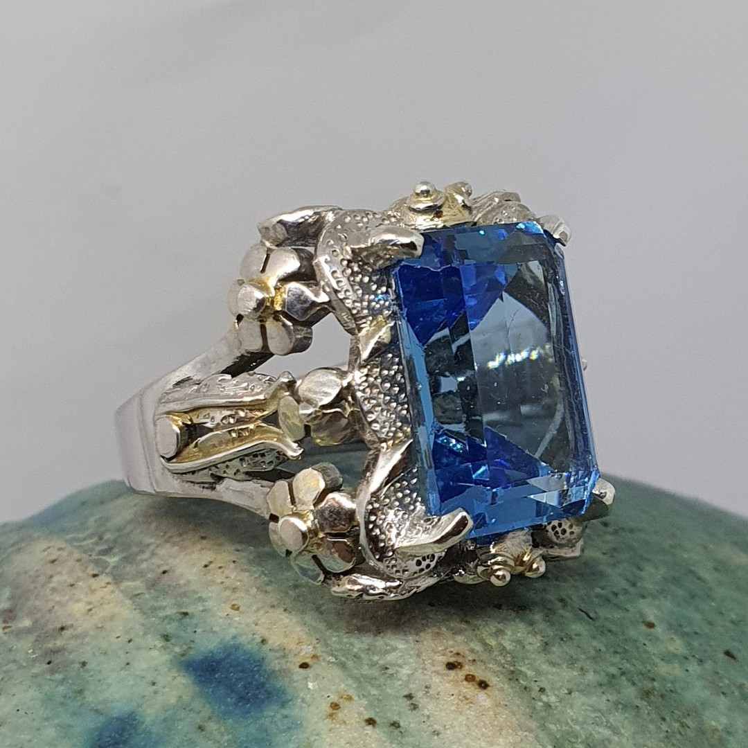 Large chunky silver ring with sparkling blue gemstone image 4