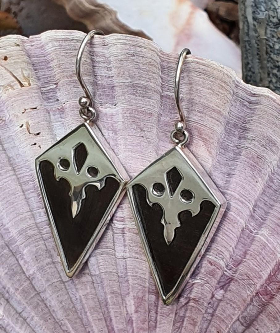 Black resin and silver earrings - last pair image 0