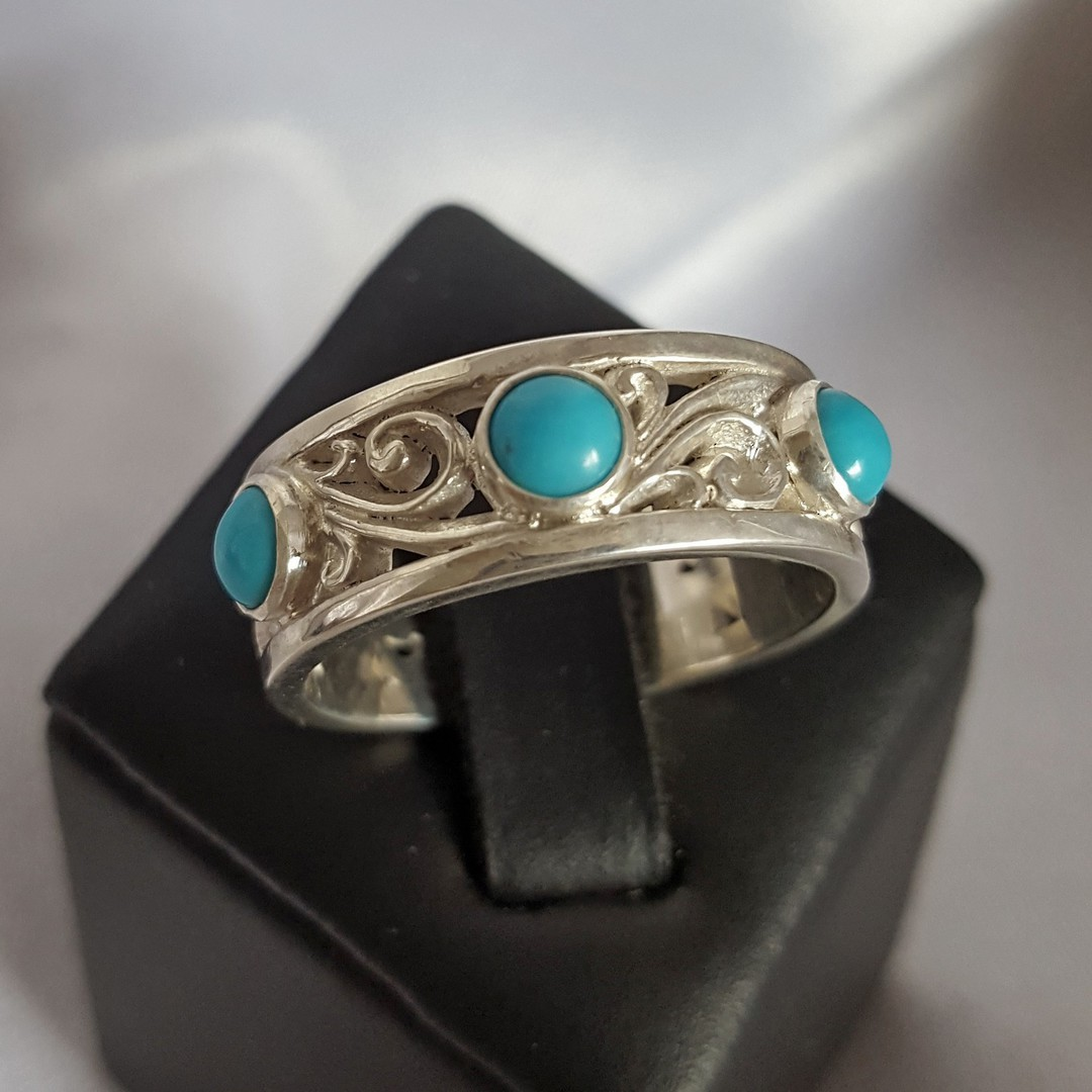 Sterling silver turquoise ring image 3