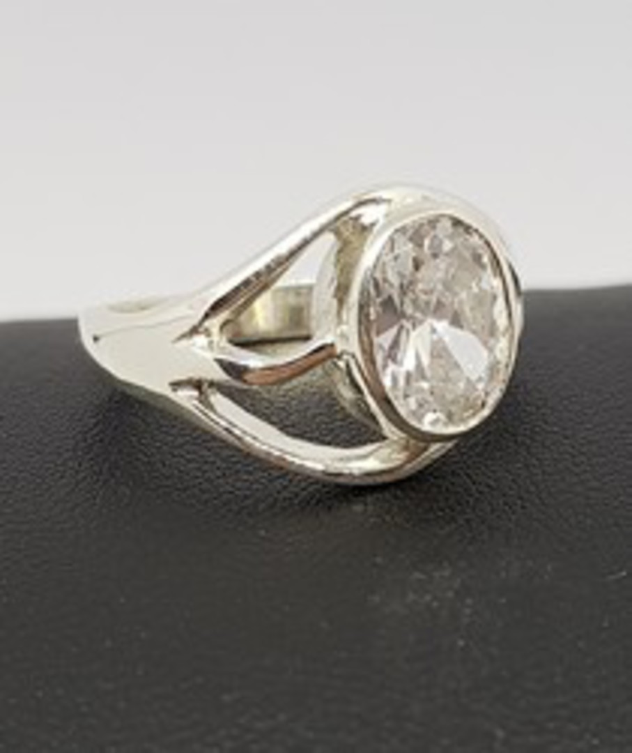 Cubic Zirconia Ring with Cutout Detailing image 0
