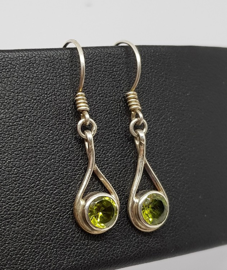 Sterling silver peridot earrings image 2