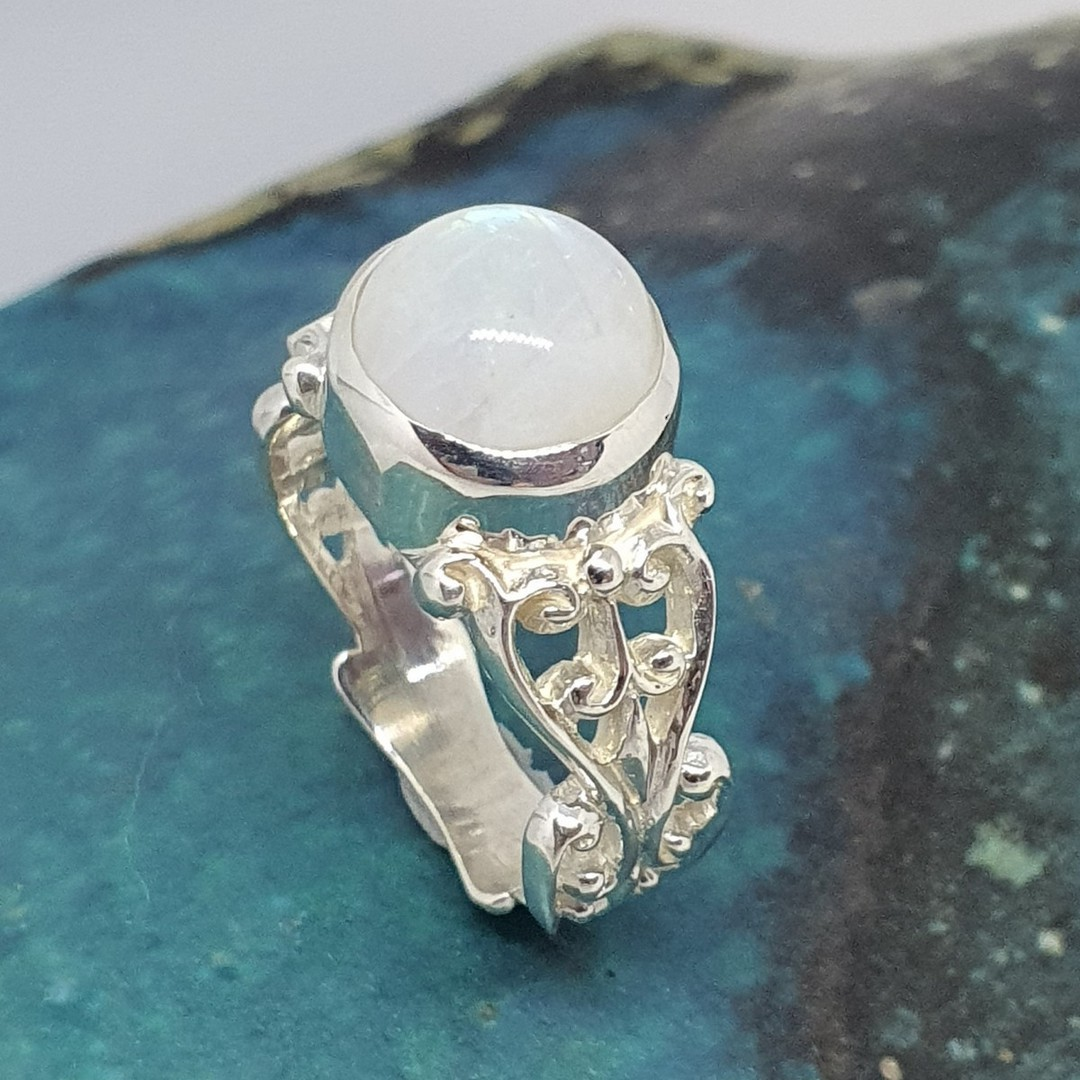 Sterling silver moonstone gemstone ring image 4