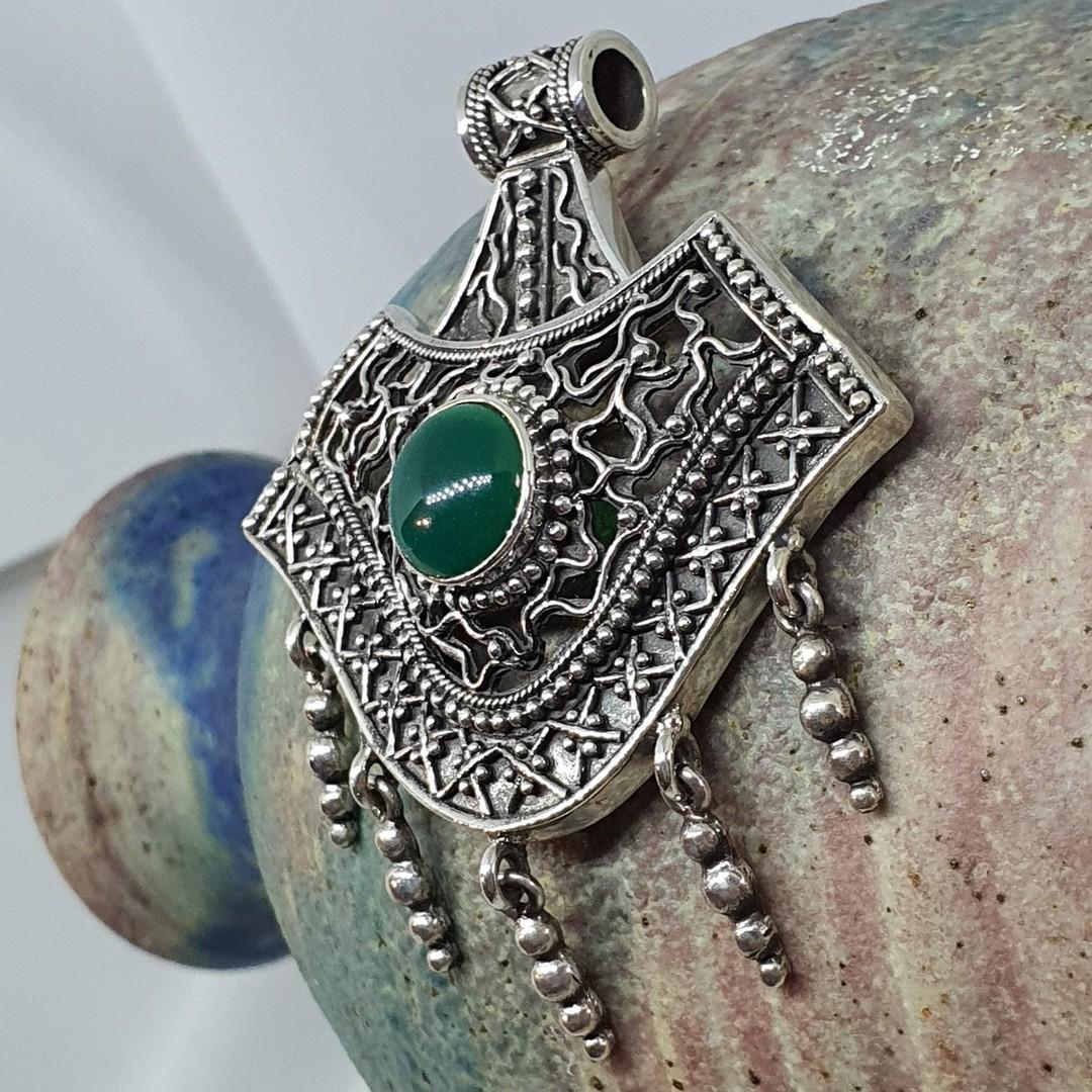 Spectacular green gemstone sterling silver pendant image 1