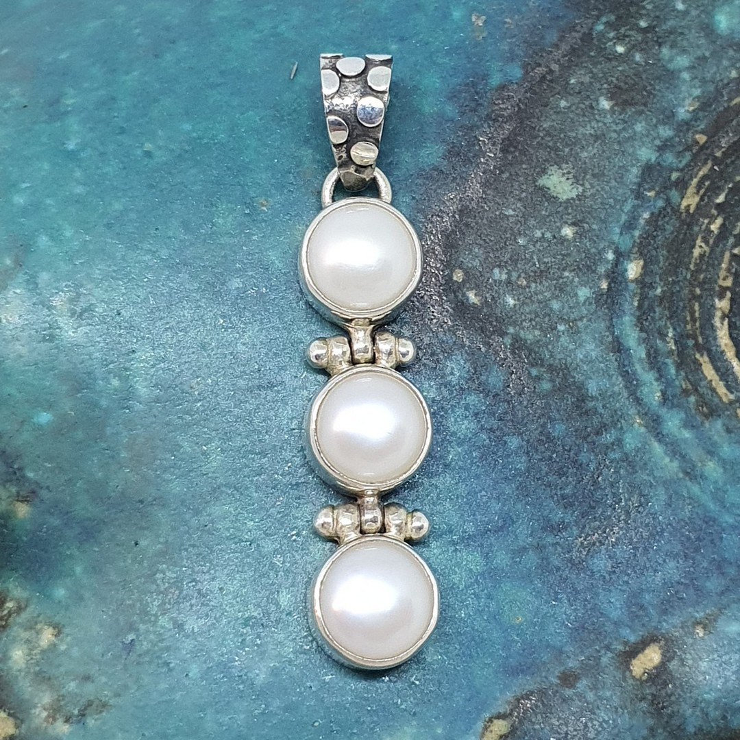 Sterling silver three pearl pendant image 0