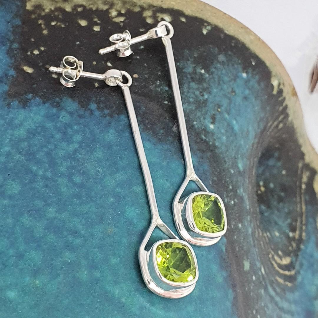 Elegant silver peridot earrings image 1